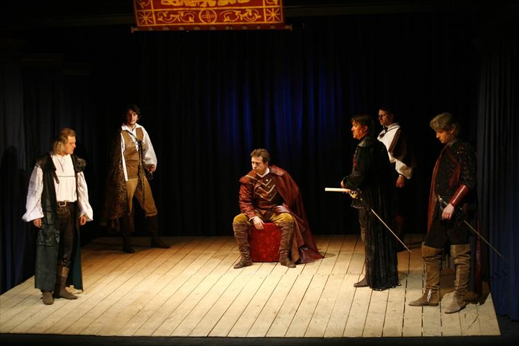 the role of cassio roderigo and barbantio in william shakespeares othello Iago , michael cassio, emilia , roderigo , bianca othello william shakespeare his primary role within the play is to reconcile othello and brabanzio.